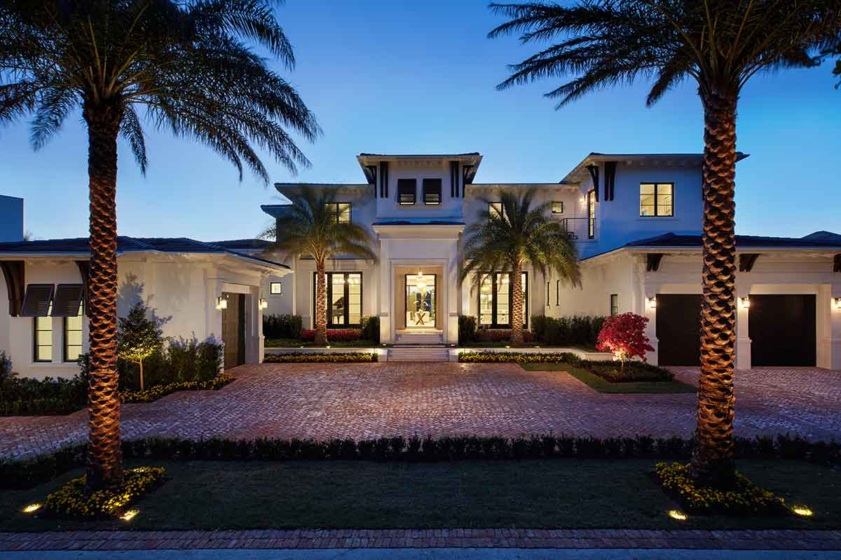 Home Entrance in Southwest Florida with Stone and Tile from Ruben Sorhegui Tile Distributors | Southwest Florida's premier tile, stone and custom mosaic tile distributor since 1983.